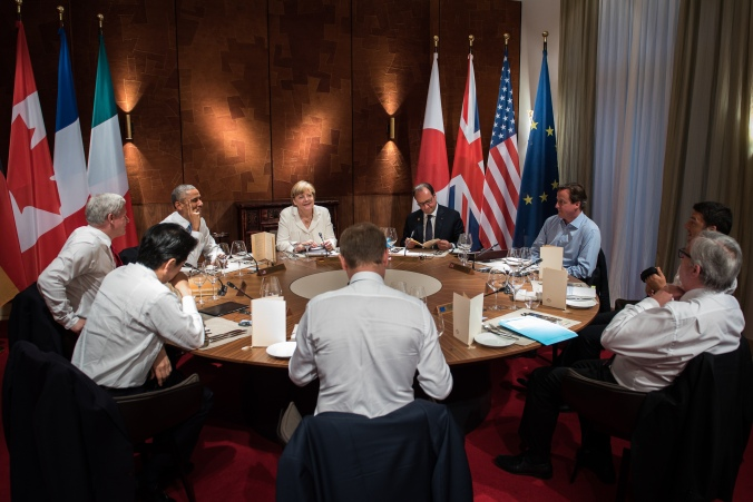 G7 leaders met in 2015 in a room lined with barkcloth. Credit: Federal Government of Germany/Kugler